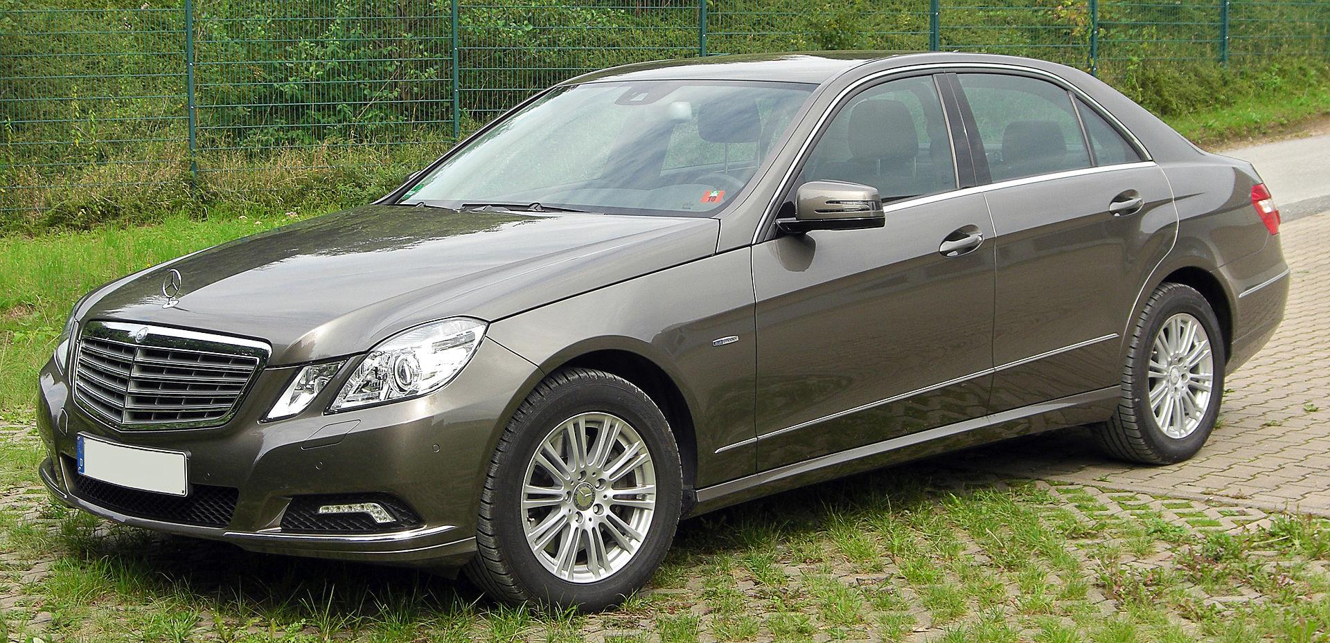 Mercedes  E (212) – Sostituito un faro led causa incidente ma non funziona